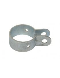 Abrazadera galvanizada, diámetro 48 mm para la sujeción de Tornapuntas en el poste de vallados. Su acometido en el cerramiento